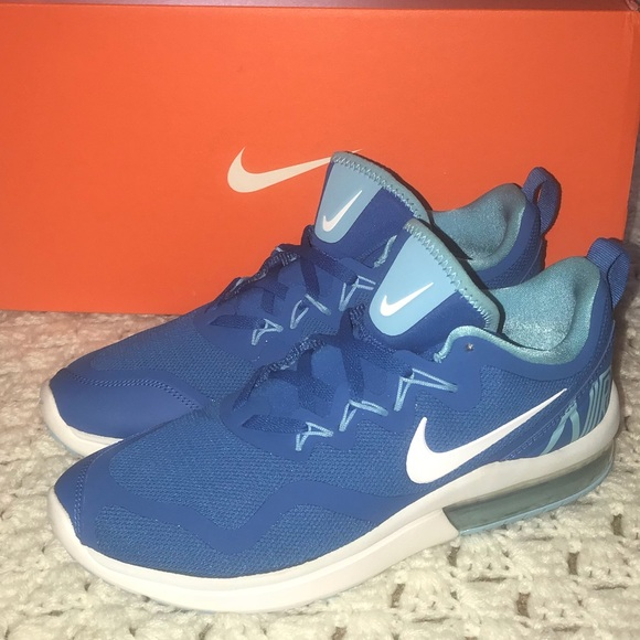 Zapatos Azul Nike Mujeres Air Max Azul Zapatos Fury Corriendo Poshmark 032312